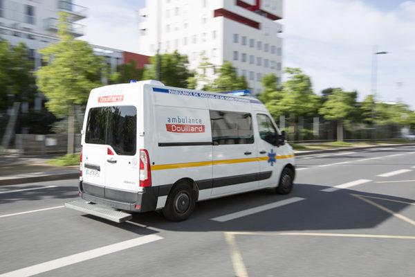 Ambulance du groupe Douillard Mail Pablo Picasso à Nantes